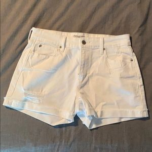Denizen from Levi's white jean shorts
